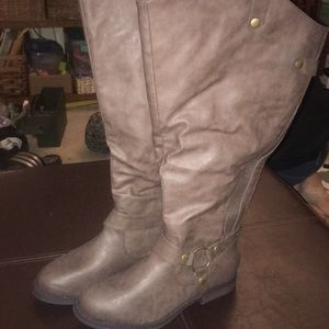 Brand new Lane Bryant size 7WW boots